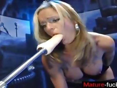 Milf mom gets blasted with a toy fucking machine