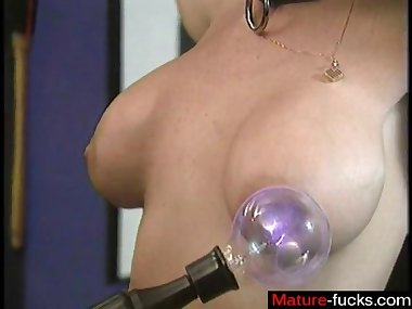 some nasty bsdm session and she loves it