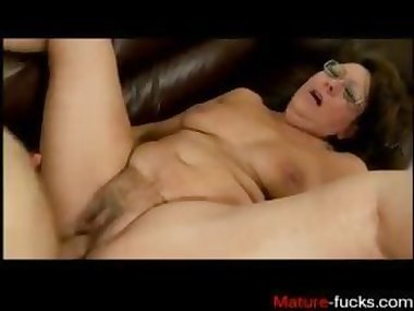 Find her on MATURE-FUCKS.COM - how to pley with..