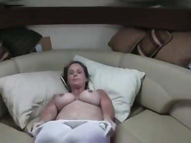 Chubby mature babe fucking her horny man